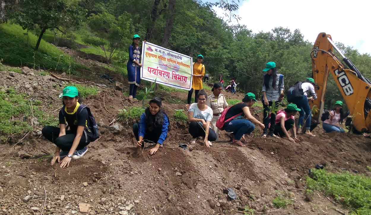 Tree plantation activity at Bhamburda Van Udyan